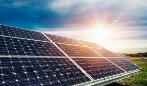 Combiner l'installation d'une pompe à chaleur et des panneaux solaires : pourquoi et à quel coût ?